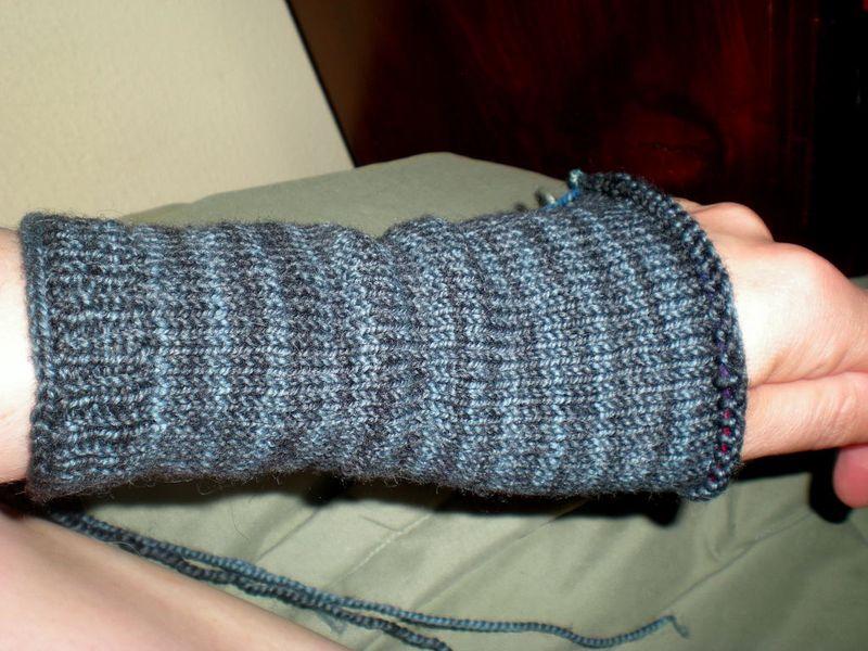 Fingerless Gloves Sept 2010 0001
