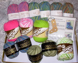 Sockret_pal_reveal_yarn_april_2007_
