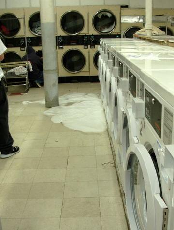 Laundromat_soap_spill_oct_2007_0001