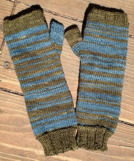 Seussical_mitts_pair_april_2008_000