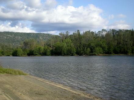Wishon_reservoir_april_2008_0001