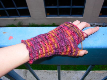 Fingerless_glove_10001_1