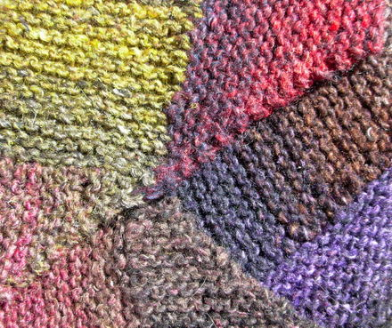 Ise_scarf_closeup_0001
