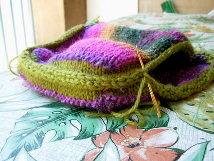 Noro_purse_sewing_together0001