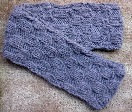 Sheilas_shawls_scarf_jan_2007_0001